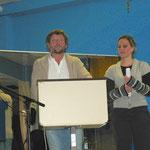 Johannes Diegruber und Annie Mündlein begrüßen die Anwesenden und sprechen über Gegenwart und Vergangenheit des Clubs.