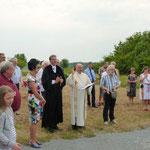 Pfarrer H. Sauer von Gethsemane und Pfarrer A. Kraus von St. Sebastian segneten den Bildstock