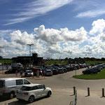 Sie finden zahlreiche Parkplätze am Restaurant Wattkieker in Harlesiel