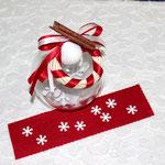Art. 357 E Sfera plexiglass con confetti e fiocco neve all'interno, nastro doppio, gessetto, cannella e ghirlandina