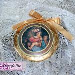 Art. 25 E- Medaglione in terracotta con madonnina e foglia oro