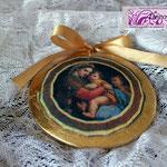 Art. 25 E-Medaglione in terracotta con madonnina e foglia oro