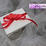 Art 2 D - scatolina portaconfetti, segnaposto, cuori rossi