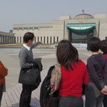 簡単な説明を折笠から。なぜこの記念館を訪れるのか?意味価値が深まった状態で突入!