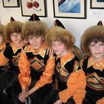 Junge Baschkiren in Nationaltracht (21. 11. 2011 von Людмила Яковлева[ludmila216@ya.ru])
