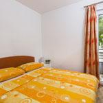 Апартаменты в Промайне, Хорватия. Отдых с детьми, пляжи с соснами и горы.