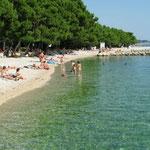 Апартаменты с бассейном в Крвавице. Макарска ривьера. Хорватия.