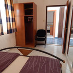 Большие апартаменты в тихом месте с чистейшим морем.  Отдых в Хорватии с детьми и компанией.