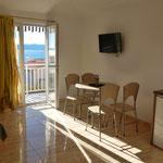 Апартаменты в Башка Воде в тихом месте с видом на море, отдых в Хорватии с детьми