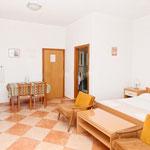 Апартаменты в Промайне первый ряд, отдых с детьми, Макарска ривьера