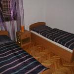 Апартамент в Севиде, первый ряд. Тихий отдых в Хорватии с детьми.