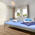 Апартаменты люкс в Макарске с территорией, в центре рядом с пляжем