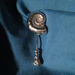 #Edelstahl Muschel Ohrring mit einzigartigem Verschluss
