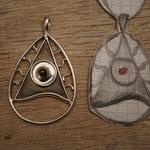#Amulett geträumt gezeichnet verwirklicht- Silber/Rubin