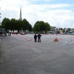 auf dem Marktplatz die Verkehrswacht mit Vorführungen