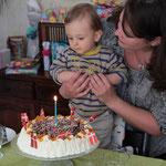 et une bougie à souffler sur le Lagkage (gâteau d´anniversaire) confectionné par Pia