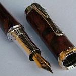 Füller mit Gravurrand Gold - Griffstück mit Feder