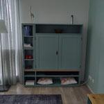 Door stefig op maat gemaakt audiomeubel met paneeldeuren en 2 geheime vakjes. Gemonteerd in Dordrecht.