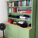 Door stefig op maat gemaakte boekenkast. Geplaatst in Rotterdam.