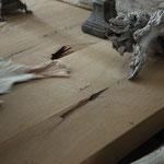 Door stefig op maat gemaakte robuuste eettafel van massief eiken. Geplaatst in Ridderkerk.