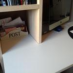 Door stefig op maat gemaakt bureau met eikenfineer kast en wandplank. Gemonteerd in Ridderkerk