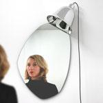 """Grimm"" Lampe Miroir / Bina Baitel studio / Edition NextLevel Galerie / verre soufflé, argenture, métallisation / Photo : courtesy NextLevel Galerie."