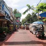 Typische Straßenszene Thailands