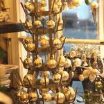 Antike Christbaumkugeln, Flaschentrockner, bottle rack