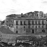 Anni '40 La Portella (Palazzo dei Baroni De Rosis e ... quel muretto dei miei ricordi)