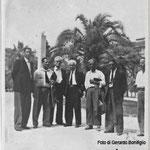 1952 vicino alla Federazione PSI di Cosenza da sx  Bonifiglio Antonio, Valente Antonio, Capalbo Domenico, Amato Raffaele ( Sindaco), Visciglia Giorgio e Cassano.