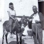 "Anni '50 Foto ricordo di una donna ""supr'u ciucci"""