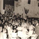 7/7/1956 - Sposi Francesco Longo e mia zia Maria Scorzafave all'interno della chiesa di san Giacomo( nella foto in primo piano, mio fratello Giorgio di dieci anni)