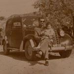Anni '60 Mario Marrazzo con la figlia Angelina (Mario, fratello di Alfonso Marrazzo,uno dei primi chauffeurs di Corigliano C.)Foto di Loredana Marrazzo