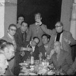 Fine anni '60 - U cuzzuvigghji 'i ri cumpagni. Da sx, D.Pagnotta, A. De Gaetano, D.Taverna, F. Longo, P. Cimino, G. Taverna, A. Romio, seduti da sx, G. De Gaetano, Giovanni?, P.Orsini e F.Bocconcino