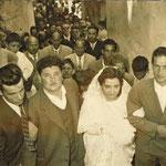 1959 (14 Giugno)-Corteo nuziale, in Vico 2° Municipio, degli sposi Ninetta Trotta e Totonno Chiaradia