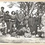 Primi anni '50 - Il Prof. Michele Garasto e i suoi alunni(f.to dalla Rete)