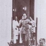 1932 il 28 Maggio Il Principe di Piemonte, futuro re d'Italia, all'uscita della chiesa del castello Compagna