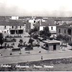 """Piazza Venezia di Schiavonea( """"A Piazzetta"""" anni '50)"""