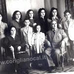 1949-Famiglia di Pietro Schiavelli,in piedi,in alto,da sin. Felicetta,Iva,Linda,Rita,Clara,seguono Enzo,Ada e Ciccillo, seduti Maria Giuseppa Polino e Pietro Schiavelli