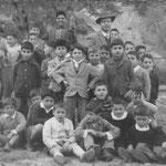 Pasquetta 1959 classe 2°C Il maestro Domenico Sapia, tra gli altri Luigi Gallo ... in cerca degli altri nomi(foto D.Sapia)
