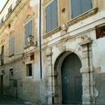 Palazzo Solazzi-Castriota(ingresso Via Toscano, 41)