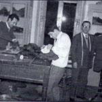"""1952 Sartoria Spezzano in Via Regina Elena n° 1 Da sx Ernesto Spezzano, Ciccio Avella e """"mastro"""" Alfonso Spezzano."""