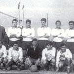 1964 in piedi Dott. Luigi Sangregorio, Prantera, Branca, Scaramuzzo,Cufari, Schiavelli,Ricciardi(allenatore) accosciati Tocci,Ferraro,Rocco,Belsito, Falcone, Salimbeni