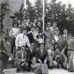 1957-1F.da sx-Pizzo;L.Maiarù;Tramaglino;prof.B.Tramonti,F.Labonia;prof.S.Bruno;2F-P.Salcina;Giuffrida;C.Gianzi;F.La Grotta;F. e M.Izzo;Visciglia;G.Romanelli;Sabato;3fila;Gianzi;T.Sosto;GPMorrone;P.Magliarella;Luzzi;A.Amato;Sapia;4F-G.Avolio;P.Tavernise