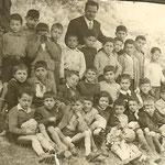 1954-III Elem.tra gli altri,Prof.Geraci ,M.G. Geraci,R.Geraci,T.Santelli,T.Rosabianco,Sosto,F.Vena,M.Vacca,P.Leonino,G.Leonino,S.Misasi,F.Rubino,F.De Natale,V.Gallo,G.Sammarra,G.Cimino,A.Santo,F.Berardi,G.De Cicco,T.Martilotti,F.Converso, V. e P.De Rosis.