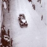 1932 a MaggioIl Principe, Umberto, in via Roma, mentre si dirige al castello