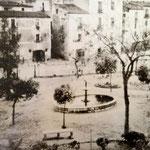 """Piazza Venezia di Schiavonea ("""" 'A Piazzetta"""") anni 40"""