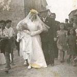26/4/1952 Sposi Francesco Tedesco ed Elena Magno a Corigliano Scalo(mi piacerebbe mettere anche i nomi di qualche ragazzo/a)
