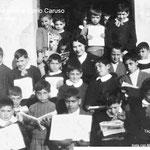 '59-'60-3Elem:C.Caruso-V.Le Pera-A.Falsetta-Abbruzzese-P.Policastri-Sculco.Poi: Madeo-G.Forciniti-?-A.Pisani-A.Variopinto-?D.La Via.Ancora: ?-maestra Carla Donadio-G.Graziani-Borgia-?-Iannini-A.Salatino-Granato-A.Affortunato-T.Mingrone