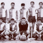 Marzo 1964 (derby con lo Schiavonea)Presidente A. Candia.In alto a sx De Rose,Granato,Arnone,Mezzotero,Scura,Romanelli; accosciati, Sabato,Salimbeni,Pizzo,Luzzi,Amato